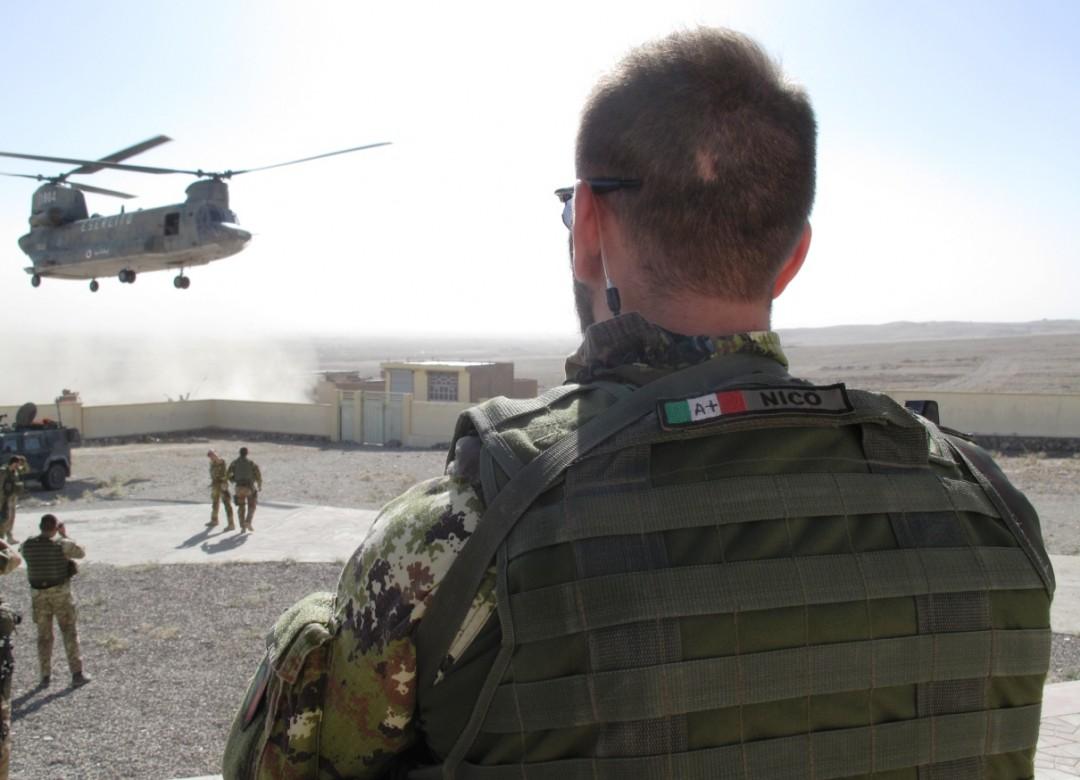 Nella base di Camp Arena, nell'ovest dell'Afghanistan, 2600 militari italiani
