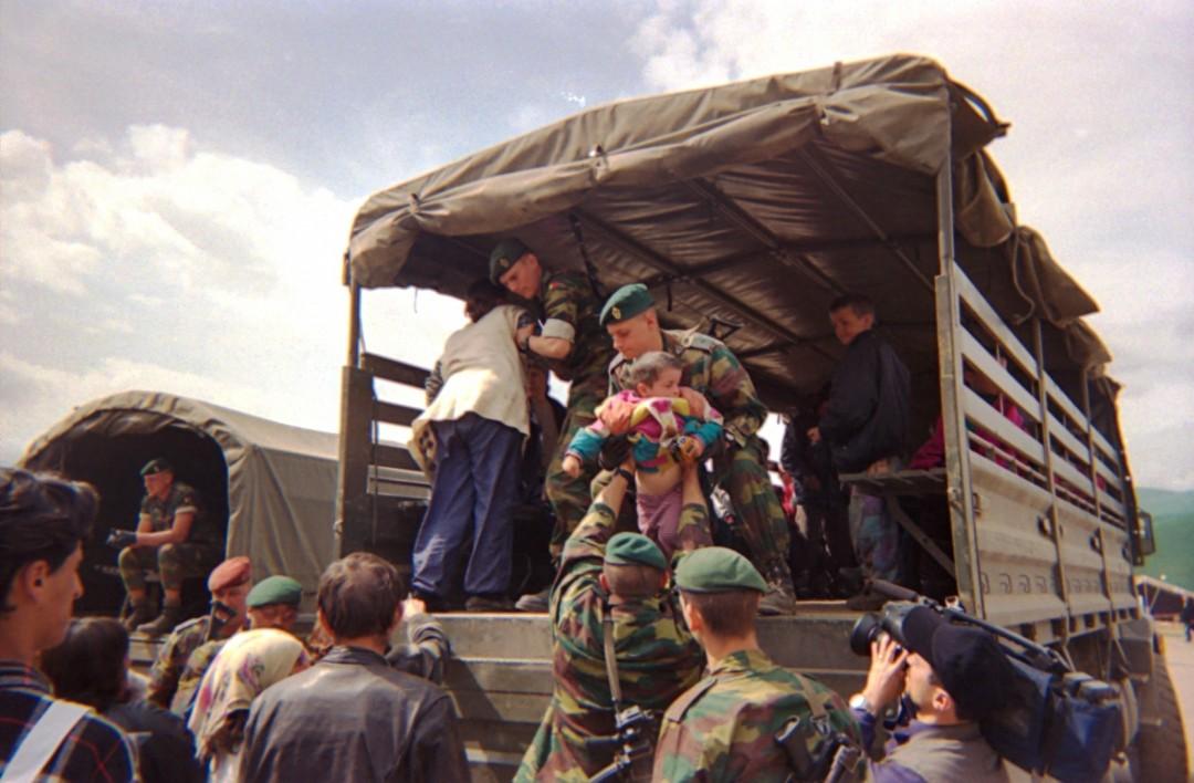 Trasferimento verso i campi di accoglienza all'interno dell'Albania