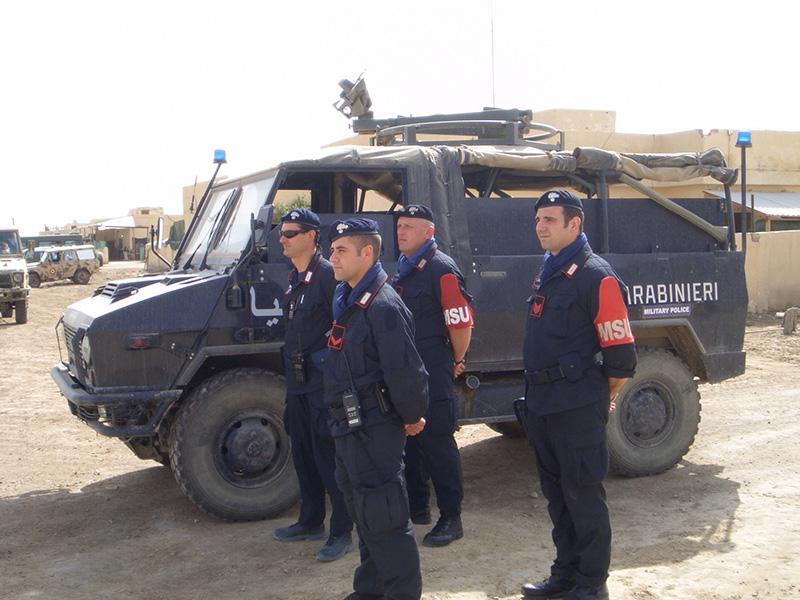 Pattuglia dei carabinieri del Msu