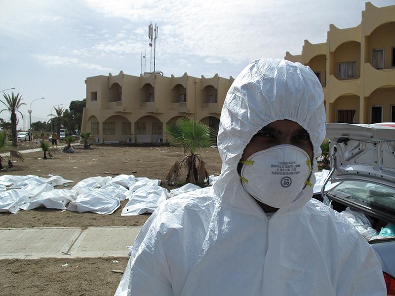Crimini di guerra in un hotel di Sirte: 53 cadaveri di soldati lealisti con le mani legate dietro la schiena