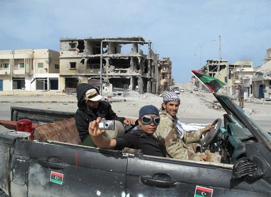 Le prime immagini scattate nella città natale di Gehddafi dopo la caduta