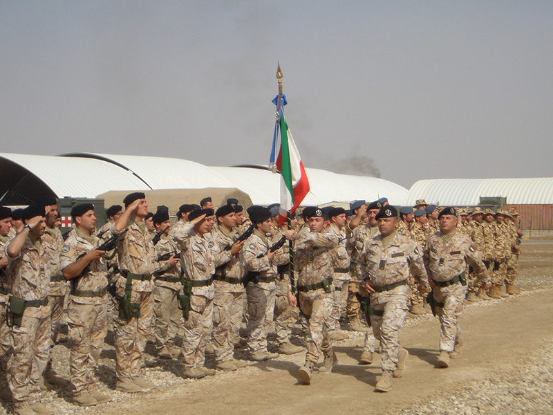 La bandiera del contingente italiano a Nassirya