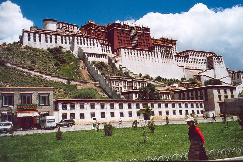 Il complesso del Potala a Lhasa